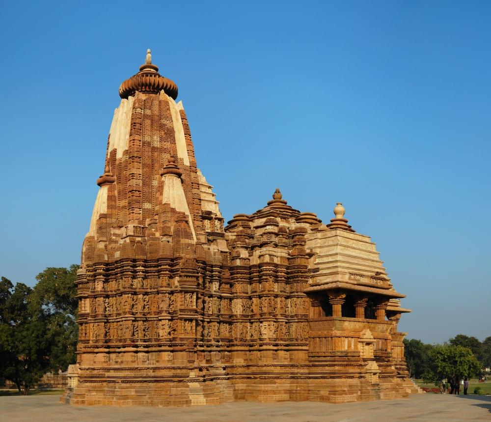 Khajuraho_Devi_Jagadambi_Temple_2010